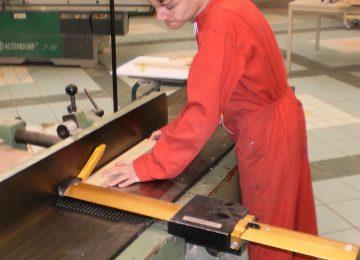 Offre d'apprentissage en CAP Menuisier Installateur ou Bac Pro Technicien Menuisier Agenceur dans l'entreprise de construction de maisons à ossature bois CHEVALIER-BOIS aux ROUSSES (39220)