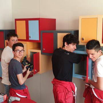 Les classes de 2de et 1ère Bac Pro TMA aménagent l'office alimentaire du service pédiatrique au CHRU de Besançon