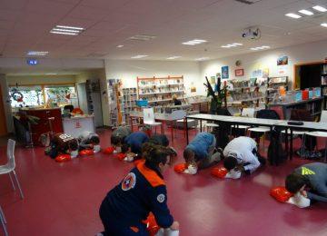 Les élèves de 3e Prépa Pro suivent la formation PSC1 avec la Protection civile