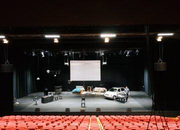 Les électroniciens visitent le Théâtre de l'Espace