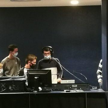 La classe de 1ère MELEC visite les coulisses, le cœur technique d'un plateau de spectacle au Théâtre Ledoux