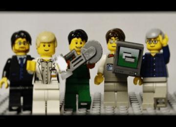 Un élève de 2de SN présente le LP St Joseph en Lego