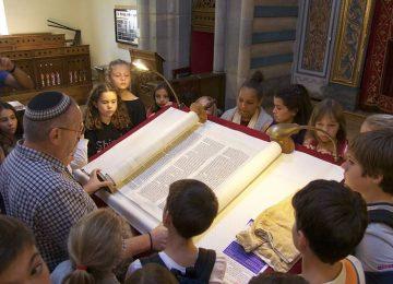 Sortie Pastorale en 6ème : à la Synagogue, à la Chapelle et au Temple