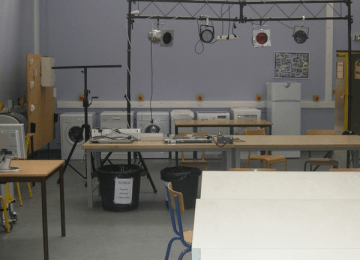 Rénovation de notre nouvelle salle de cours en électronique (1ère Bac Pro SEN)